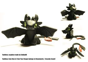 Toothless by Embbu90