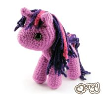 Twilight Sparkle Amigurumi by mengymenagerie