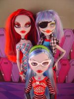 Family of Ghouls by zombiegator