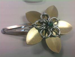 Chain and Scale Flower Hairpin by Silkyprime