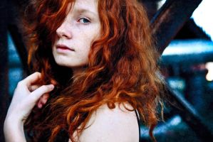 Red head by Zvezdakris