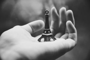 Paris in my room by vitzy
