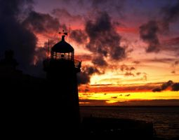 Howth Lighthouse Silhouette by superflyninja