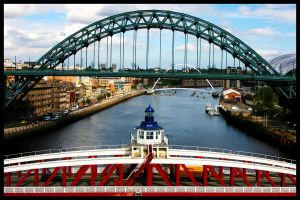 NEWCASTLE TYNE RIVER by carchar0th