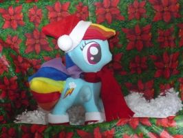 Christmas Rainbow Dash plush by VickyJ