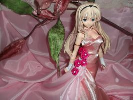 Anime figure in pink dress~ by AardbeiElfje