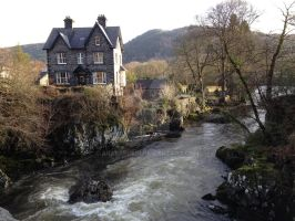 Wales: Betws-y-coed: wild river by araeafurin