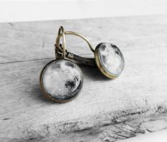 Handmade Resin Antique Bronze Moon Earrings by crystaland
