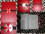 Red Queen -notebook by Dekokatana
