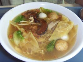 Won Ton Noodles Soup by Gexon