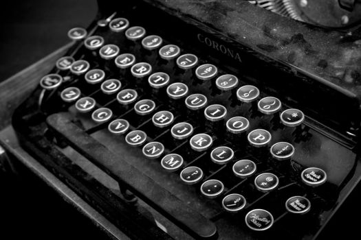 Type Writer X by breaking-reality