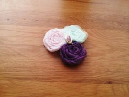 Lily Rosette Flower Fascinator Hair clip by paradiseshoretwins