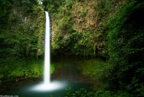 La Fortuna Waterfall by erezmarom