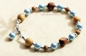 Bransoletka .wood and pearl. by anabell18