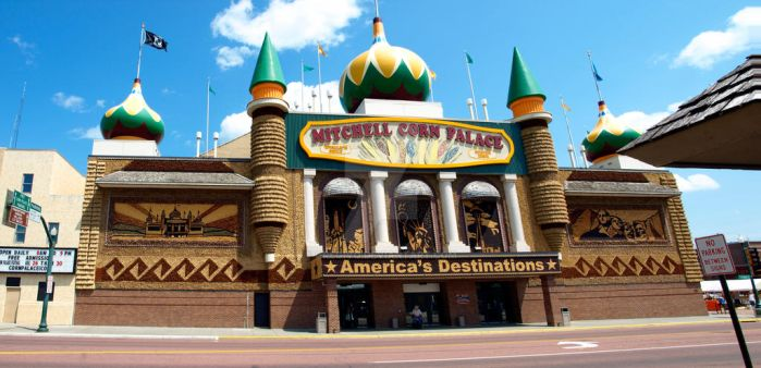 Corn Palace in Mitchell by gregivq