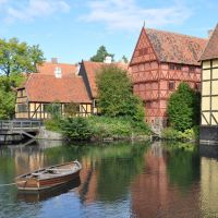den gamle by by Peter-Metzger