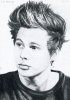 Luke Hemmings by Sylkee