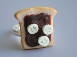 Chocolate Banana Toast Ring by ClayRunway