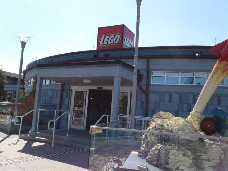 Lego Store by TheReptilianGeneral