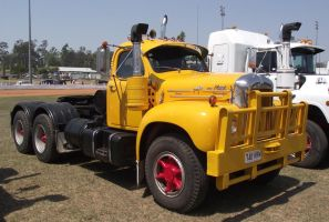 Mack B-model on display 1 by RedtailFox