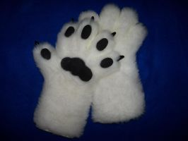 White Paws by ScratchKitty