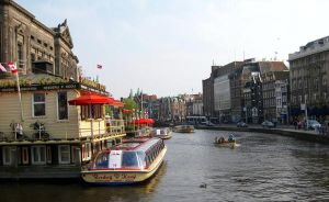 Amsterdam canal 2 by Jaanos