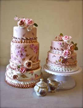 Hand Painted Wedding Cakes by alcat2021