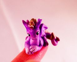 Ickle tiny Dragon by LittleDragonDesigns