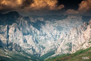 Bad weather upon the Picos by rdalpes