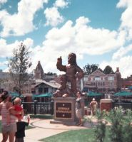 The Statue of Jebediah Springfield by travelg
