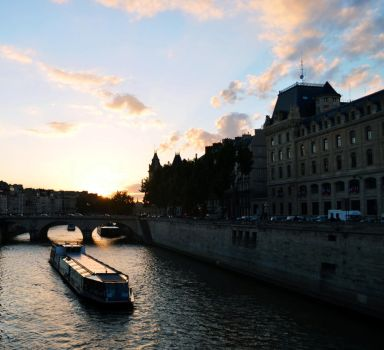 Sunset in Paris by inshade07