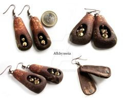 Primitivo, the earrings by Alkhymeia