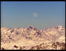 Les Deux Alpes - The Moon by TheHer3tic