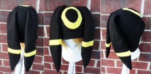 Umbreon Yellow by akiseo