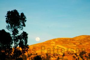 Peru Moon by Ariod400