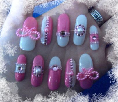 Second set of nails by Charly-chan
