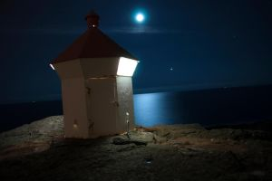 lighthouse by linni