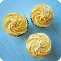 Pearly Yellow Cupcakes by cake4thought