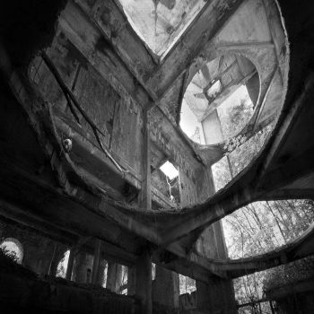 Weird smile by TotoRino