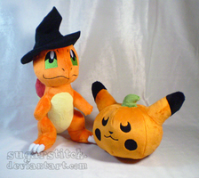Pokemon: Halloween Charmander with Pikachu Pumpkin by sugarstitch