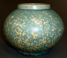 speckled vase by cl2007