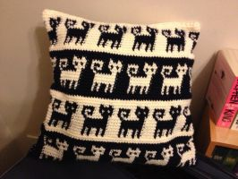 Crochet Cat Cushion by Mr-Nova