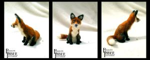 Keelin the Red Fox Finger Puppet by shadechristiwolven