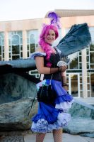 Pinkie Pie - you gotta share Cosplay (upgraded) by Chiado33