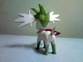 Shaymin Sky Forme Papercraft 3 by riolushinx