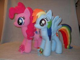 Rainbow Dash and Pinkie Pie plushies by MLPT-fan
