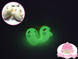 Cute Nightglowing Ghosts Earrings by Metterschlingel