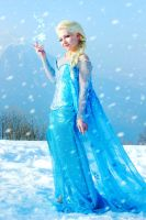 Storm inside - Elsa cosplay Frozen by FrancescaMisa