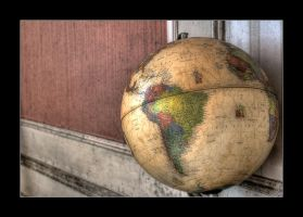 The Globe by 2510620