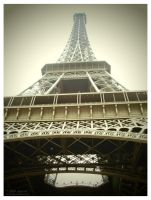 The Eiffel - Her memories by Sara-Araujo